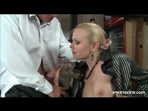 Sex in the restaurant with big ass slut on him