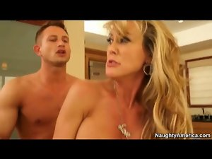 Fit milf Brandi Love fucked in sexy stockings
