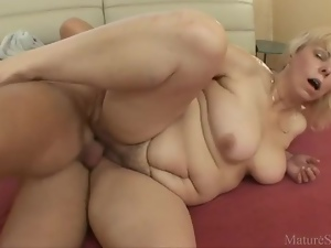 Wake up and fuck a fat ass mature chick