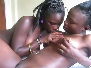 Amateur African lezzies 7