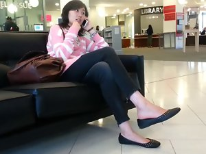 Xandid Asian Chick Shoeplay Feet Dangling on the Phone
