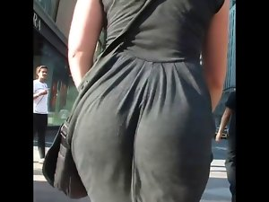 Candid Pawg Butt Clapping in Dress