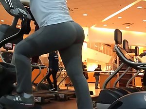 gym bubble ass latina