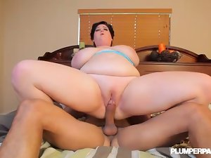 Huge Tit Filthy bitch Cute bbw Caresses Ice Cream Cone and Huge BBC Phallus