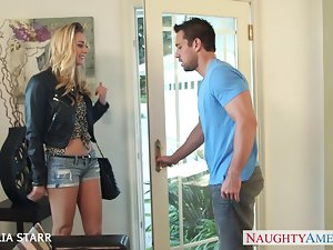 Beautiful blondie Natalia Starr gives cock sucking