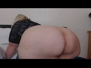 Blond Fatty Farting