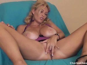 Sexual Tampa Attractive Slutty wife Charlee Chase Makes Her Vagina Cum!