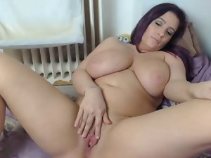 curvy young lady spreads