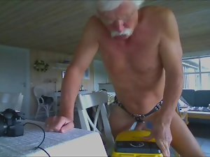 Screwing my vacuum cleaner (HAPPY WANKING 22)