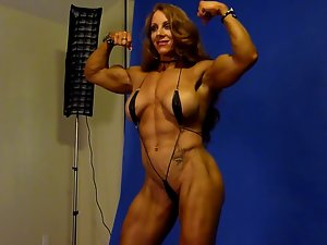 Sexual Muscle Goddess in Studio 1
