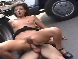 very hairy experienced vagina bangs on car troia anus