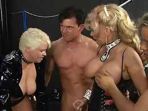 Two kinky housewifes & three chaps
