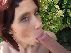 Margaux a mum analfucked outdoor