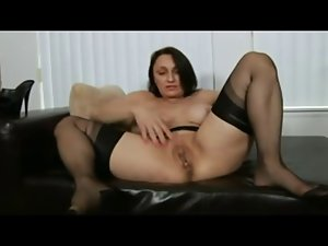 Pantyhose Housewifes Orgasm
