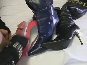 T-Girl Christi Cums On Her Boots