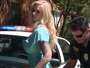 19 years old american slutty mom bangs a COP to get out of a ticket
