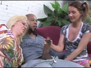 Aged mamma stuffed by ebony cum in front of daughter