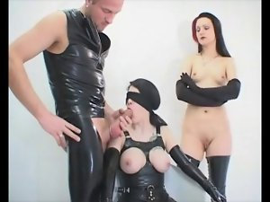 2 dolls fetish latex asslicking and bum mff