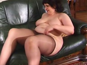 Heavy grandma in pantyhose