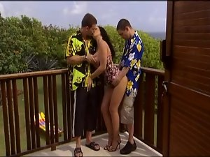 Laura has a quick crazy threesome action with DP