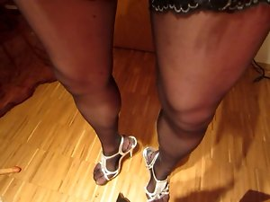 excellent cd cums on his own legs heels and nylons