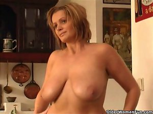 Chunky attractive mom with big melons