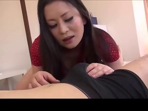 Roleplay Jap Slutty mom NOT her son English subtitles