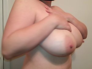 36. G knockers thick bitch Lateshay natural knockers