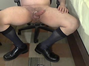 Meaty coach in OTCs jerking on his leather shoes