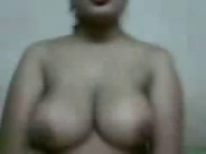 Attractive & Sensual Big titted Aunty Show herself to her BF