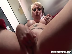 UK pornstar tempting blonde Tracy Venus vagina play in the shower