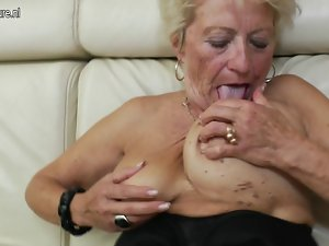 Aged grandma gets her beaver dripping