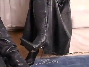 Lovely Sensual Ebony Leather on an attractive dark haired