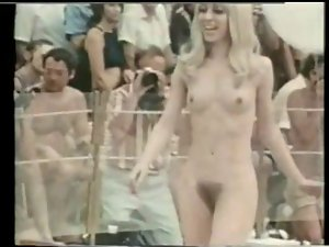 Miss naked America (1976)
