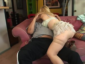 Meaty porn stud screws a blondie granny with his magic stick
