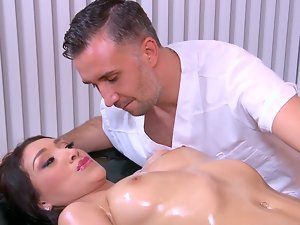Good looking masseur Keiran Lee knows how to please this dark haired young lady