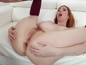 Attractive redhead was not shirking her duty; she exposed naughty ass for fuck