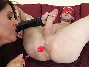 A attractive wench with a superb dirty ass is getting cumshot while she is banging