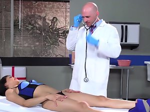 Doctor with a extremely huge shaft banging his bony Latina patient