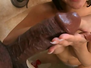 Black dude is having sex in the bathroom with a Latina amateur