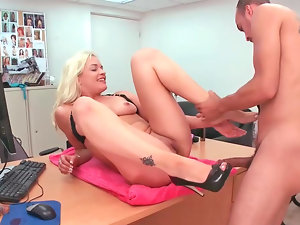 Filthy amateur tempting blonde Cameron gets banged brutal