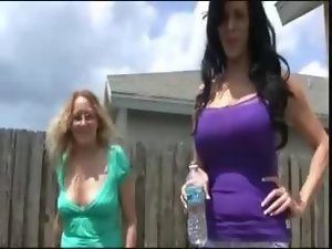 2 Housewifes watch you jerking off