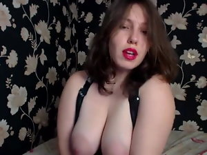 Big-titted camwhore with big areolas masturbates
