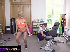 Sport Rooms Sexual Colombian with amazing natural figure bangs