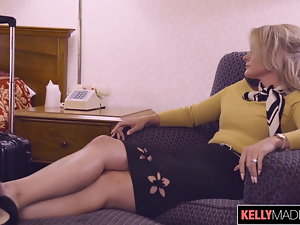 Lisey Stunning Assfucked on Layover